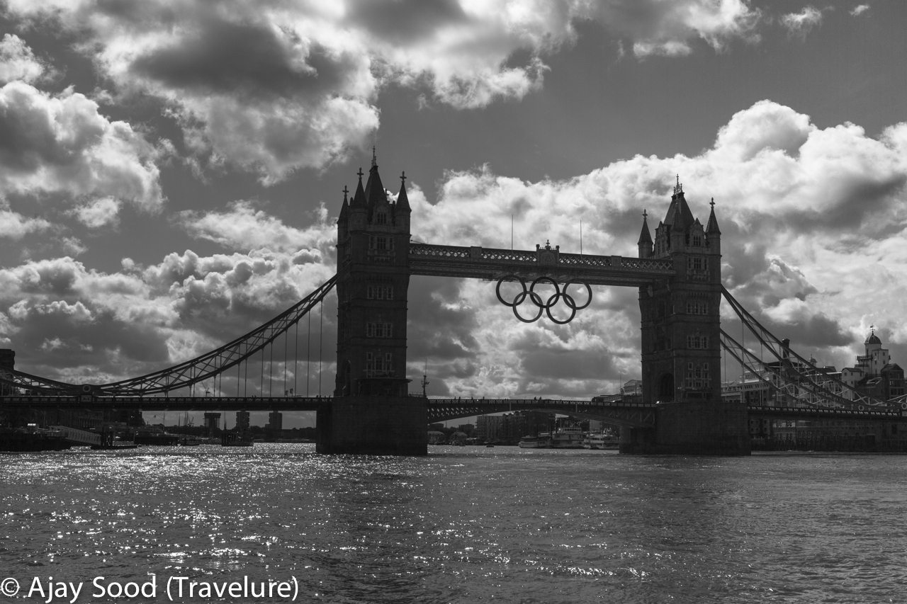 Colours of London in Black & White